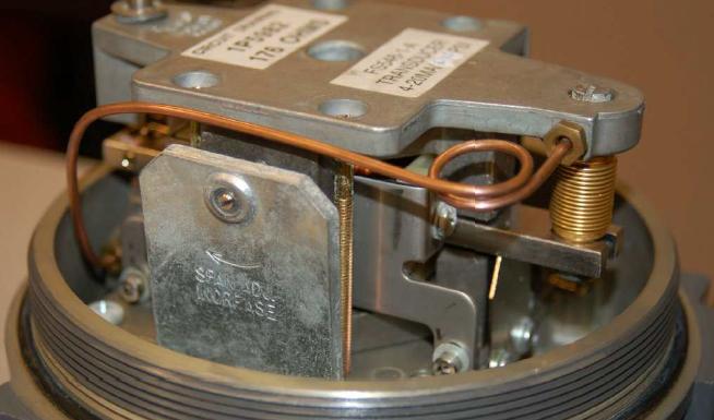 Fisher 546 I/P electro-pneumatic transducer